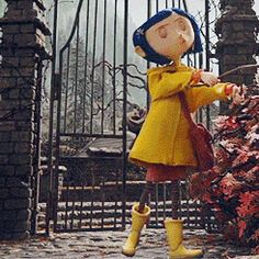 Coraline Jones | tumblr_me1vb9OhqX1rvg962o1_250.gif