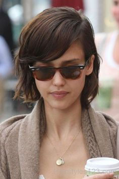 Jessica Alba Short Hairstyle With Bangs