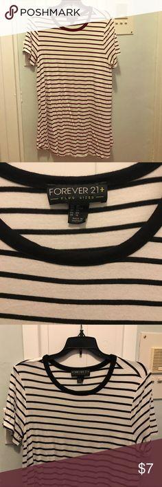 Forever 21 striped tunic T-shirt Forever 21 black and white striped tunic T-shirt Forever 21 Tops Tees - Long Sleeve