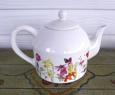 Marjolein Bastin Large Teapot Garden Flowers Signed Poppies Holly Daisies Tulips Daffodils - Antiques And Teacups - 1