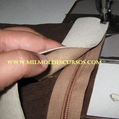 Sewing Tutorials, Sewing Hacks, Sewing Projects, Sewing Patterns, Diy Purse, Purse Wallet, Diy Bags No Sew, Sewing Lessons, Leather Projects