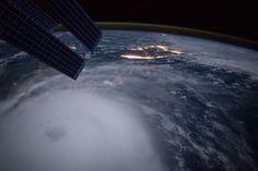 hurricane joaquin approaching land