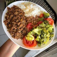 Healthy and Tasty بالعربي Chickpea Salad Recipes, Vegetarian Recipes, Healthy Recipes, Diet Recipes, Healthy Plate, Healthy Snacks, Healthy Eating, Clean Recipes, Real Food Recipes