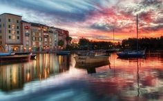 Houses Reflection On Water At Sunset Free Stock Photo and Wallpaper 1920x1200px