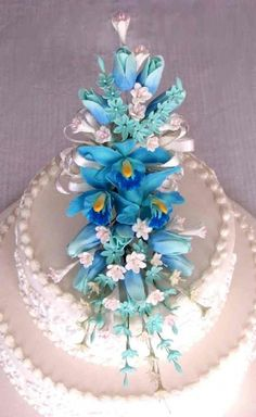 #Blue #Wedding… Wedding ideas for brides, grooms, parents & planners https://itunes.apple.com/us/app/the-gold-wedding-planner/id498112599?ls=1=8 … plus how to organise an entire wedding, within ANY budget ♥ The Gold Wedding Planner iPhone #App ♥ For more http://pinterest.com/groomsandbrides/boards/ #navy #pastel #pale #powder #blue #teal #turquoise #Tiffany #blue #Peacock #Beach