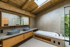 #natureshower #concretewalls #concretebathroom #betonwand #betonbad #modernbathroom #modernbathroomideas Concrete Bathroom, Concrete Wall, Waterfront Homes, Modern Bathroom, Double Vanity, Shower, Design, Cottage Chic, Architecture