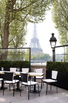 The view from the terrace at le Palais de Tokyo in Paris. The Eiffel Tower is in the background but what caught my eye is the distinctive Parisian lamp post on the right. Oh Paris, Paris Love, Montmartre Paris, Oh The Places You'll Go, Places To Travel, Places To Visit, Monsieur Bleu Paris, Belle France, Le Palais