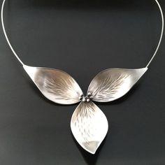 Trillium Necklace All Silver