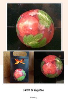 Sabonete esfera de orquídeas, com extrato de algas e essência a escolha do cliente.  Possui embalagem apropriada para esfera nas cores preto e kraft, acompanha laço de cetim.  Para encomendas acima de 10 unidade, preços especiais e tag personalizada grátis.  Temos outros tipos de esfera. Contate-...