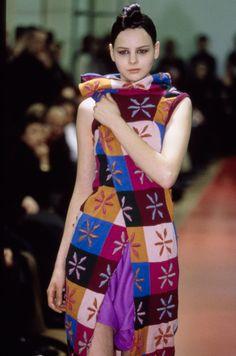 Comme des Garçons Fall 1999 Ready-to-Wear Fashion Show Details