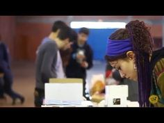 ''Sábado, dia 29 de Março, foi um dia de muito trabalho na Associação de Serviço e Socorro Voluntário de São Jorge, onde muitos Lazys e Voluntários estiveram envolvidos na triagem e na embalagem de muito material que temos para le...'' - http://www.bloggers-rule.com/blog/misso-guin-carregados-de-material(https://www.youtube.com/watch?v=JiMZnHMUGdo%29