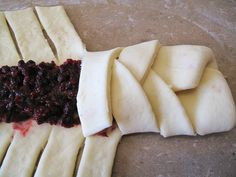 Step by step- How to make a beautiful Saskatoon berry braided bread. (any berry filling will do.) (how to roll out sugar cookies) Saskatoon Recipes, Saskatoon Berry Recipe, Serviceberry Recipe, Baking Recipes, Dessert Recipes, Baking Ideas, Roll Out Sugar Cookies, Delicious Desserts, Yummy Food
