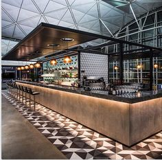 Qantas Lounge in the Hong Kong International Airport designed by Caon Studio and Sumu Design Lounge Design, Bar Lounge, Design Hotel, Chair Design, Restaurant Design, Restaurant Lounge, Modern Restaurant, Bar Interior Design, Home Design