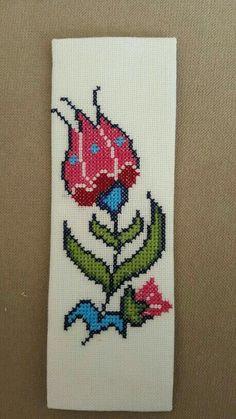 Cross Stitch Bookmarks, Cute Cross Stitch, Cross Stitch Flowers, Cross Stitch Designs, Hungarian Embroidery, Wool Embroidery, Cross Stitch Embroidery, Loom Patterns, Cross Stitch Patterns