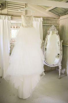 a-wedding-scrapbook: Jana Williams Photography Wedding pics Country Wedding Dresses, Modest Wedding Dresses, Bridal Dresses, Wedding Gowns, Bridesmaid Dresses, Wedding Dress Pictures, Wedding Pics, Wedding Ideas, Wedding Story