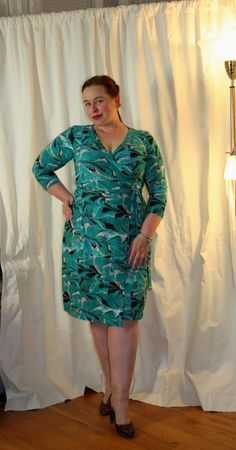 I just completed (and wore out in public) my first Appleton wrap dress made from Cashmerette's inaugural plus-size, multiple cup-size pattern. Folks, this pattern is excellent!