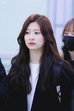 Urban Words, Cute Korean Girl, Kim Min, Asia Girl, 3 In One, Hair Goals, Kpop Girls, Girl Group, Beauty Makeup