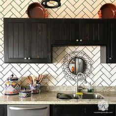 Create the look of faux ceramic subway tiles in your bathroom or on a kitchen backsplash by painting your walls with the Subway Tiles Herringbone Wall Stencil! Herringbone Subway Tile, Herringbone Fireplace, Herringbone Tile Pattern, Subway Tile Kitchen, Wallpaper Backsplash Kitchen, Cheap Kitchen Backsplash, Paint Backsplash, Backsplash Ideas Bathroom, Wall Tiles For Kitchen