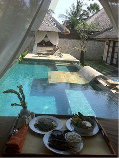 ♂ luxury life breakfast facing the outdoor pool