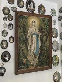 Oude Lourdes souvenirs Our Lady Of Lourdes, Religious Art, Alters, Vows, Lds Art, Hymn Art