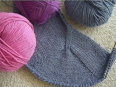 Mobile LiveInternet Easy to learn and fun Contiguous seamless knitting with set-in sleeve Bamboo Knitting Needles, Loom Knitting, Knitting Stitches, Knitting Patterns, Knit World, Knit Crochet, Crochet Hats, Baby Cardigan, Knitting Projects