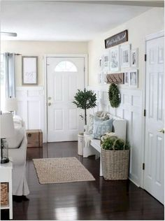 ✔40+ diy best small entryway decor & design ideas to upgrade space 2020 #dreamhouse#homedesign (41) The very first thing everyone sees if they encounter to see you're your entryway or foyer. It provides a very first impression of one's residence or workplace to your furry friend. That you decorate your lobby appears design intelligent, it becomes essential. Through our guidelines and t... Farmhouse Style Kitchen, Modern Farmhouse Kitchens, Farmhouse Decor, Cottage Farmhouse, Farmhouse Ideas, Farmhouse Design, Home Living Room, Living Room Designs, Living Room Decor