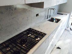 Mutfak mermer granit çimstone tezgahları Stove, Marble, Kitchen Appliances, Diy Kitchen Appliances, Home Appliances, Range, Granite, Marbles, Kitchen Gadgets