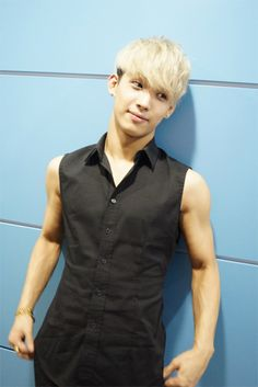Hyunsik Btob, Tank Man, Vest, Mens Tops, Jackets, Pop, Fashion, Down Jackets, Moda