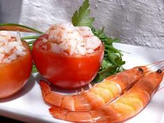 Spanish seafood, pre cooked prawns for salad and summer tapas Spanish Cuisine, Spanish Tapas, Tapas Recipes, Great Recipes, Prawn Salad, Food Dishes, Stuffed Peppers, Stuffed Tomatoes, Seafood