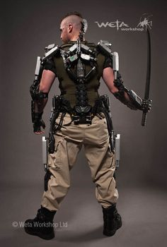 I was the project supervisor at Weta Workshop for the Kruger Hulc Suit on Elysium. This was my first real project I supervised and it was pretty easy as Tim Tozer and Shari Finn had already figured out the mechanical system for the pistons on Matt Exoskeleton Suit, Powered Exoskeleton, Suit Of Armor, Body Armor, Sci Fi Armor, Future Soldier, Futuristic Art, Sci Fi Characters, Tecno