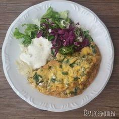 Almoço de hoje: salada verde (acelga agrião repolho roxo alface chucrute) molho de kefir com hortelã e azeite omelete de espinafre. ;) Tem dúvidas sobre a paleo? LINK NA BIO! #dieta #dietas #dietasempre #dietasemsofrer #dietapaleolitica #dietapaleo #paleo #paleofood #paleobrasil #paleolitica #paleolife #paleolifestyle #paleodiet #mydiet #eatclean #primal #primalfood #realfood #bixoeplanta #bichoeplanta #eatreal #fit #primalbrasil #fitfood #reeducacaoalimentar #saude #saudavel #vidasaudavel…