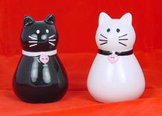 Cute! Black  White Cats S\P Shakers