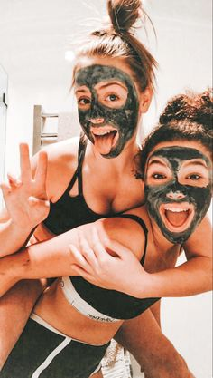 VSCO Girls Best Friends Funny Sleepover Face Masks Aesthetic Besties Photo Poses Ideas Summer Casual - Source by jjperlewitzz - outfits 2020 Bff Pics, Photos Bff, Cute Friend Pictures, Cute Summer Pictures, Funny Pictures, Summer Photos, Family Pictures, Party Pictures, School Pictures