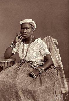 Portrait of a woman from Bahia.  Photographer Marc Ferrez (c.1885).