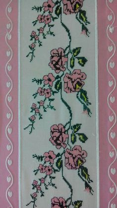 This Pin was discovered by TC Baby Quilt Size, Baby Quilts, Stitch Crochet, Worry Dolls, Baby Quilt Patterns, Quilt Sizes, Cross Stitch Embroidery, Sewing Crafts, Diy And Crafts