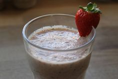 Strawberry and baby kale smoothie - i try to eat healthy