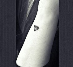 Small Diamond Tattoo On Side Wrist💎🖤 Small Diamond Tattoo, Diamond Tattoos, Side Tattoos, Small Tattoos, Tattos, Piercings, Tattoo Ideas, Ink, My Style