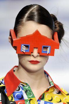 Vision étrange.      Références lunettes en sixièmes