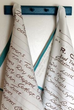 Wow! Turn handwritten recipes (your mom's handwriting? your grandma's?) into tea towels for your kitchen! WHAT A GREAT GIFT IDEA! by MarylinJ Dish Towels, Tea Towels, Hand Towels, Cute Gifts, Great Gifts, Creative Gifts, Diy Gifts For Mom, Awesome Gifts, Unique Gifts