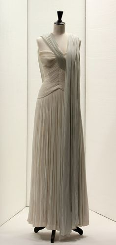 madame-gres-exhibition-at-bourdelle-6. Artistry in draping.