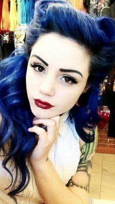 love her hair and make up :) Manic Panic Shocking Blue, Hair Color Blue, Dark Blue Hair Dye, Navy Blue Hair, Hair Dye Colors, Indigo Hair, Hair Color Formulas, Victory Rolls, Rockabilly Hair