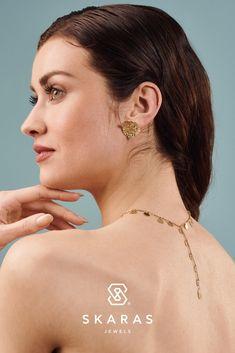 Η γνωστή Ιταλίδα σχεδιάστρια συνεχίζει να παραδίδει μαθήματα στυλ μέσα από τις χειροποίητες δημιουργίες της. Δείτε τη νέα συλλογή εδώ: Diamond Earrings, Jewels, Inspiration, Fashion, Biblical Inspiration, Moda, Jewerly, Fashion Styles, Gemstones