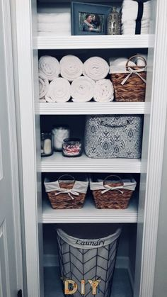 "These Are Hands-Down the Best Ways to Organize Your Linen Closet Storing washcloths in a file folder? Pure genius."", ""pinner"": {""username"": ""jessmccarthy12"", ""first_name"": ""Jessica"", ""domain_url"": null, ""is_default_image"": false, ""image_medium_url"":.. Linen Closet Organization, Organizing Bathroom Closet, Organization Ideas For The Home, Organized Bathroom, Organized Linen Closets, Linen Closet Shelving, Diy Storage Closet, Linen Closet In Bathroom, Home Decor Ideas"