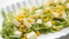 Karlos Arguiñano presenta una sencilla ensalada de lechuga, maíz y manzana con aliño de miel.