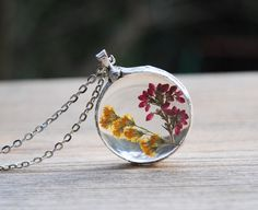 Pressed flower neckl