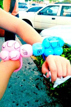 I like their shells and eyes One Balloon, Balloon Shapes, Balloons, Circus Party, Bumper Stickers, Mustache, Turtle, Shells, Crafting