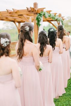Will the bridal party look too matchy? | Photo: Libelle Photography