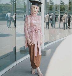 Kebaya Modern Hijab, Kebaya Hijab, Kebaya Dress, Kebaya Muslim, Hijab Dress Party, Hijab Style Dress, Muslim Fashion, Hijab Fashion, Fashion Outfits