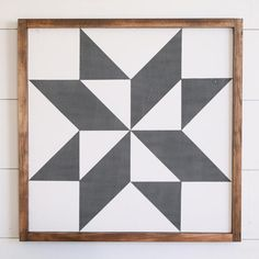 Barn Quilt Designs, Barn Quilt Patterns, Quilting Designs, Craft Patterns, Farmhouse Quilts, Farmhouse Style, Painted Barn Quilts, Painted Wood, Black And White Quilts