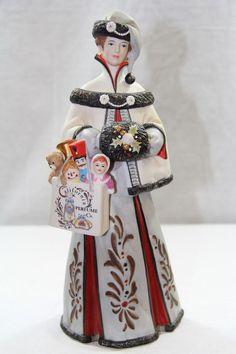 The Avon 1999 PFE Mrs. Albee Award Doll Collectible Figurine
